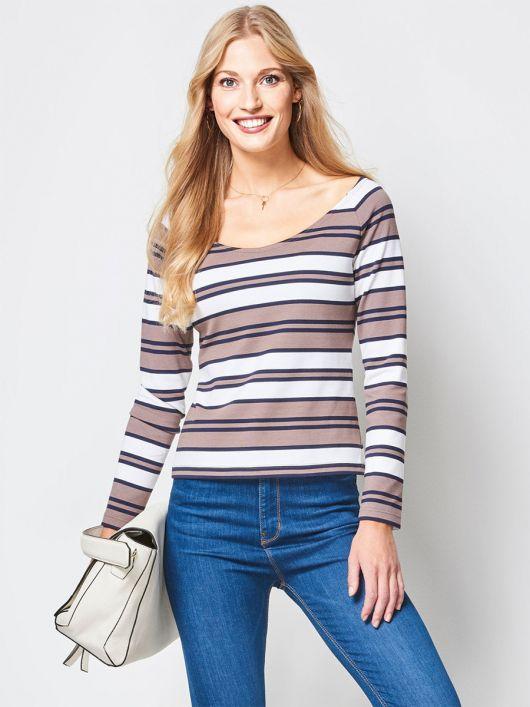 Пуловер реглан з широким вирізом горловини