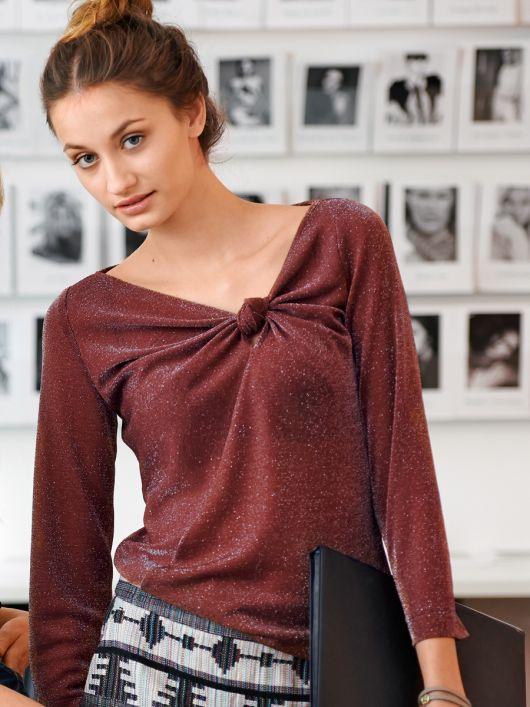 Пуловер з оригінальною драпіровкою
