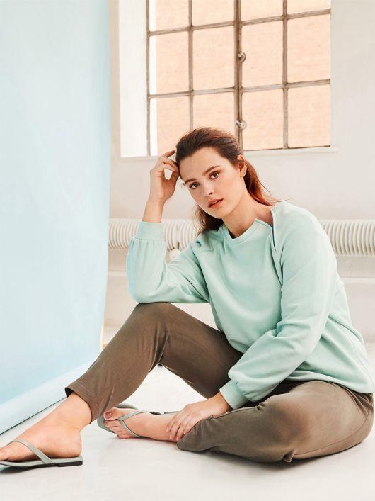Пуловер реглан із застібкою у шві