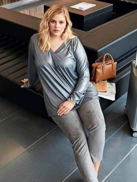 Пуловер реглан з V-подібним вирізом