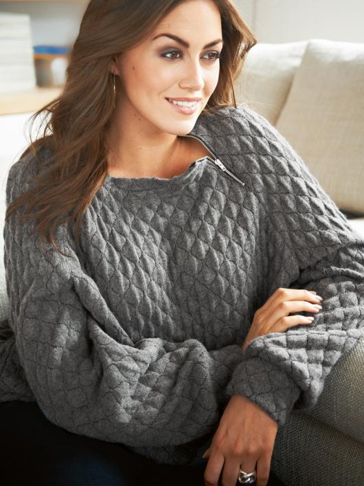 Пуловер з манжетами і поясом
