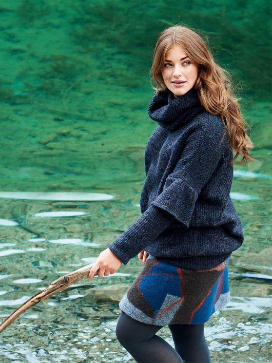 Пуловер з оборками і знімним коміром