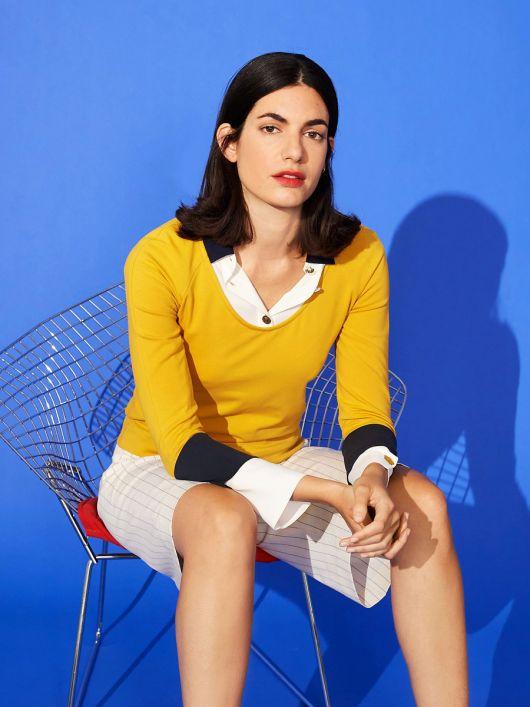 Пуловер з рукавами-реглан і глибоким вирізом