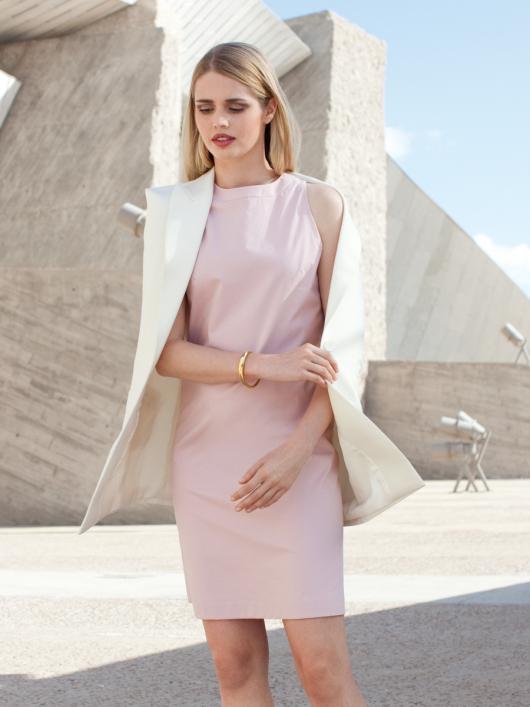 Сукня-футляр з американською проймою