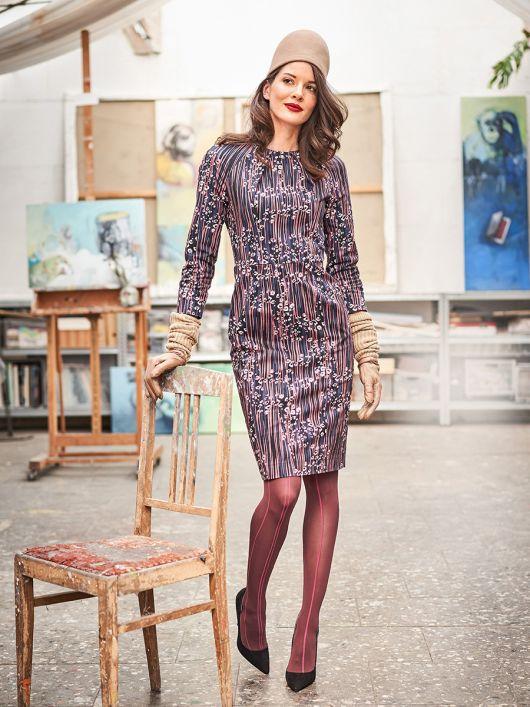 Сукня-футляр відрізна з рукавами реглан