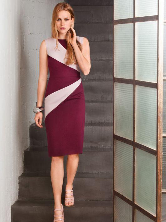 Сукня-футляр з фігурними вставками