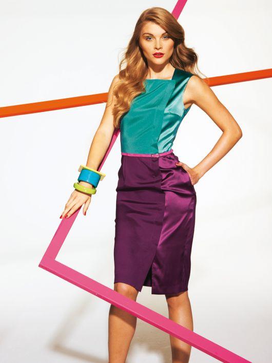 Сукня в стилі колор-блок з асиметричною застібкою