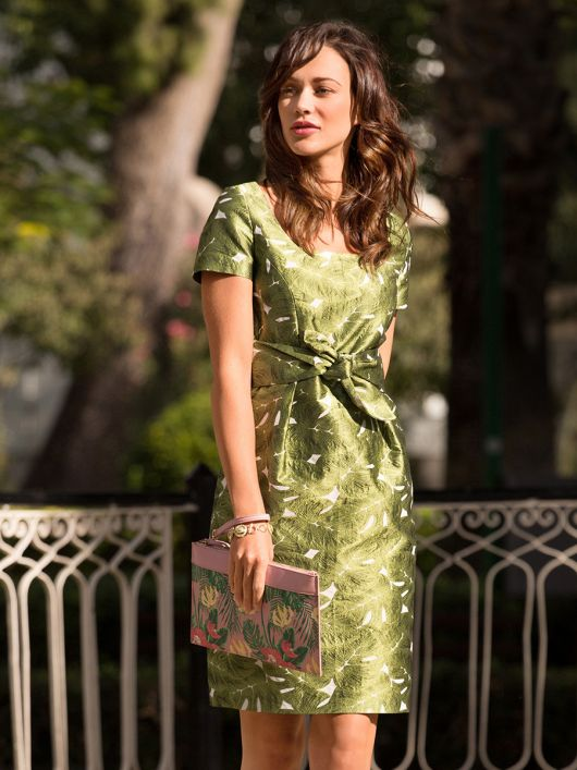 Сукня-футляр із зав'язками на талії