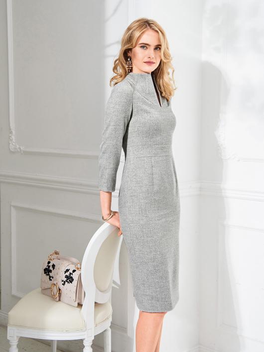 Сукня-футляр із коміром-стойкою
