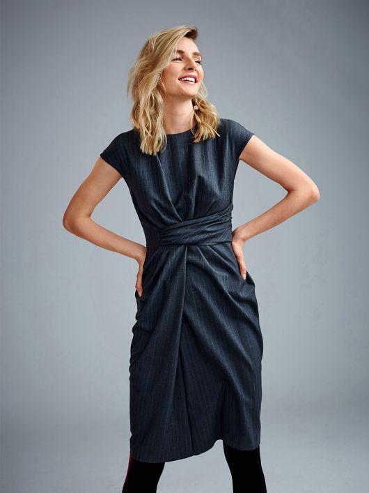 Сукня вузька з імітацією запаху і драпіровками