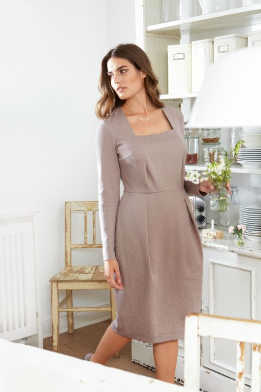Сукня-футляр