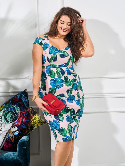 Сукня-футляр з широким вирізом