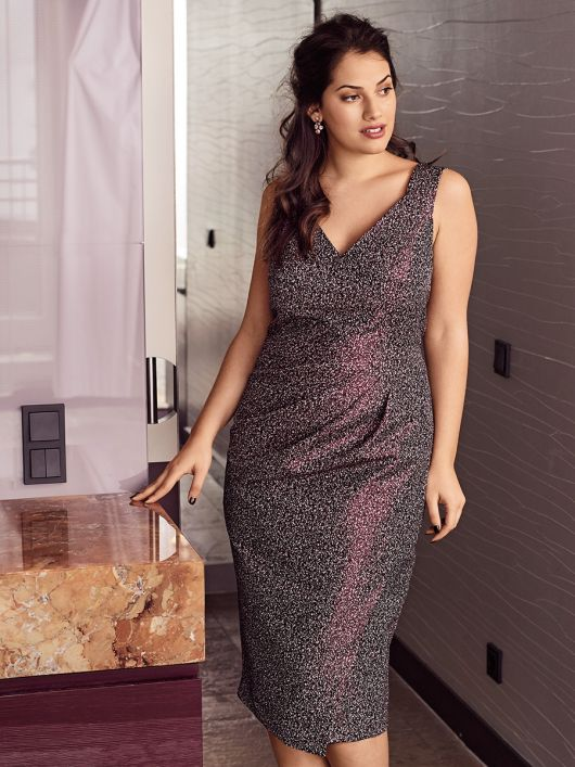 Сукня-футляр на широких бретелях