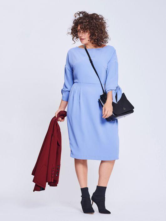 Сукня відрізна приталеного крою