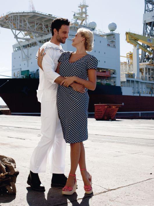 Сукня-футляр у стилі 50-х