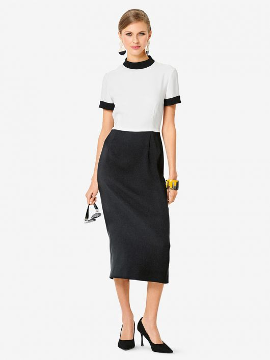 Платье-футляр двухцветное