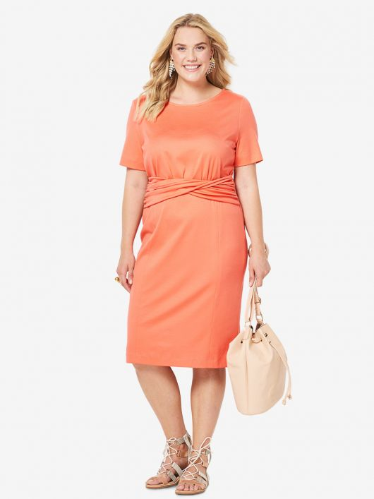 Сукня-футляр з драпіровкою на талії
