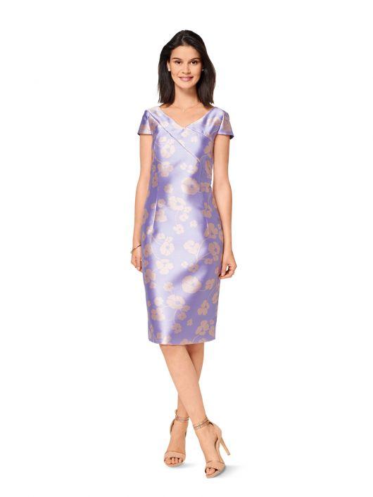 Сукня-футляр з рельєфною деталлю