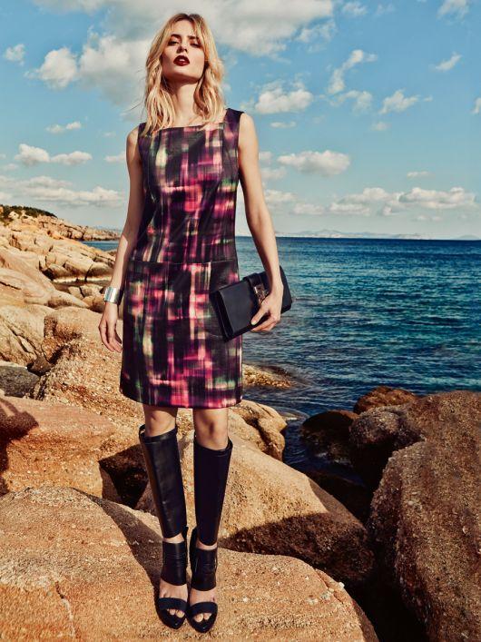 Сукня-футляр із заниженою талією