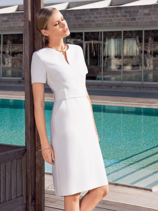 Сукня відрізна вузького крою з широким поясом