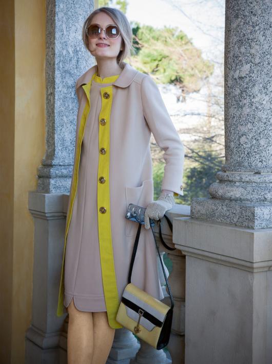 Сукня і пальто розкльошеного крою