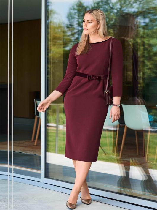 Сукня-футляр з оксамитовим поясом