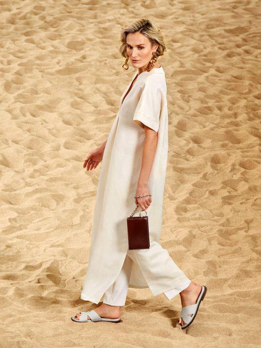 Сукня-каптан з V-подібним вирізом
