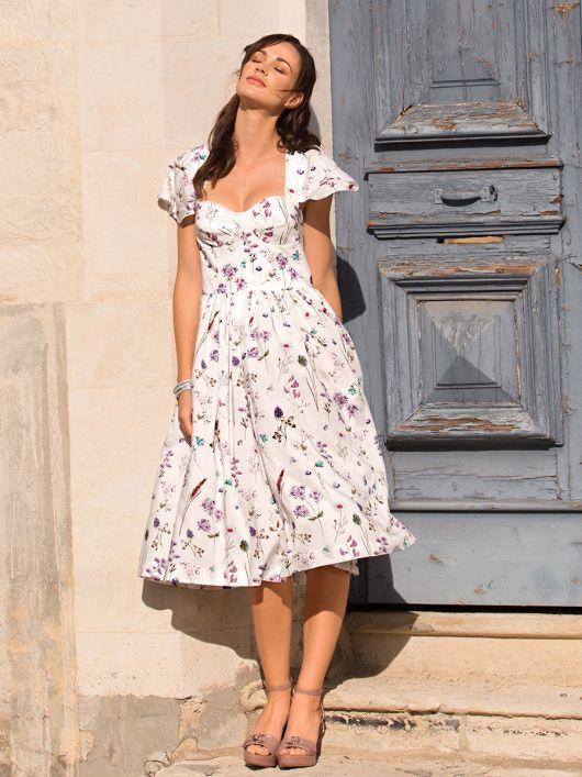 Сукня-корсаж з рукавами-крильцями