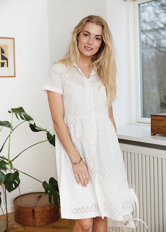 Сукня-сорочка з призбореною спідницею