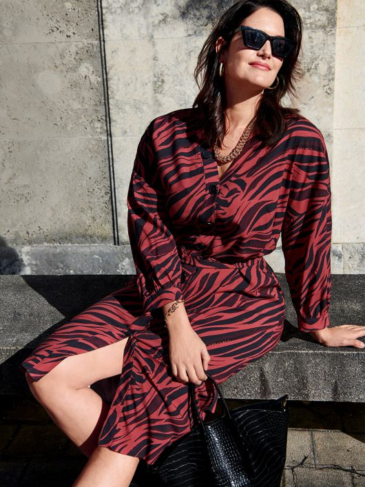 Сукня-сорочка з приспущеними проймами