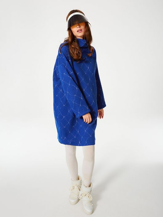Платье-свитер с высоким воротником
