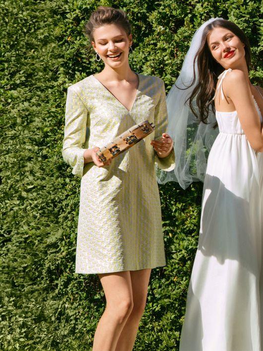 Сукня А-силуету з рукавами-розтрубами