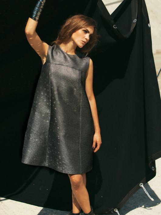 Сукня А-силуету з металізованої тканини