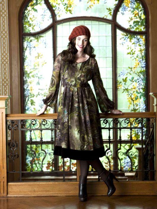 Сукня А-силуету із нижньою спідницею