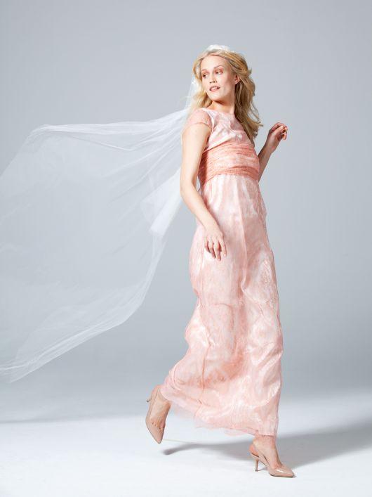Сукня А-силуету з бандо і рукавами-крильцями