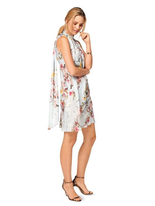 Сукня коротка А-силуету з широким шарфом
