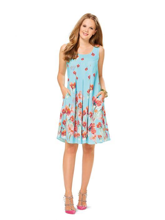 Сукня А-силуету на фігурній кокетці