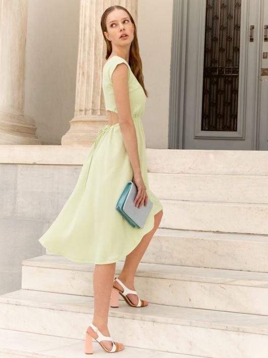 Сукня з асиметричним низом і вирізом на спинці