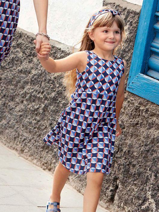 Сукня відрізна із зав'язкою на спинці