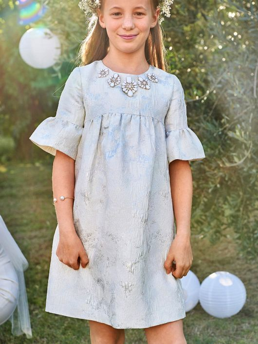 Сукня силуету ампір з оборками на рукавах