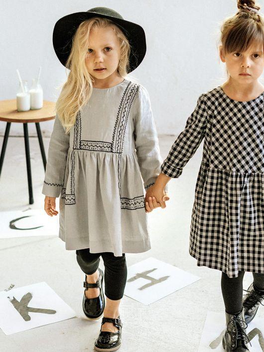 Сукня відрізна з ручною вишивкою
