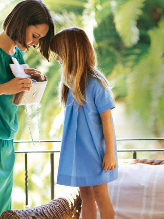 Сукня А-силуету зі складками біля горловини