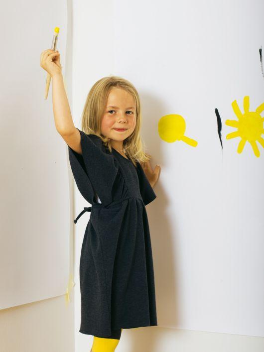 Сукня трикотажна з рукавами-крильцями
