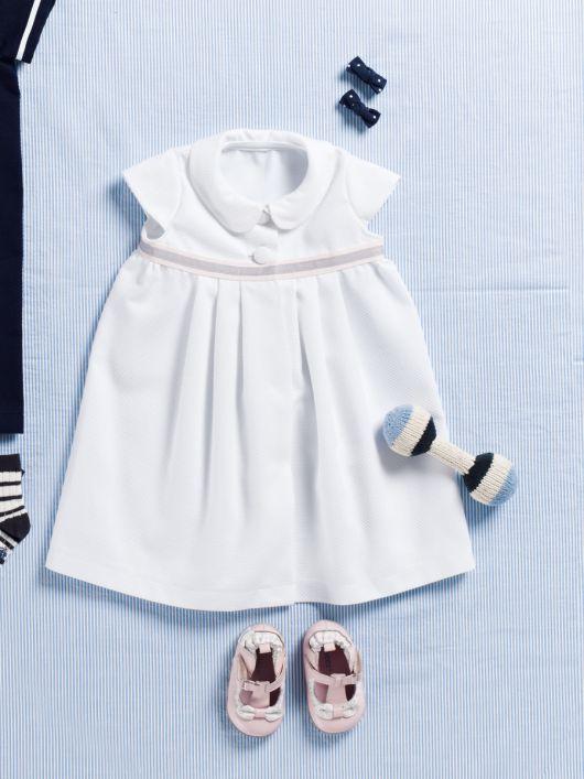 Сукня з відкладним комірцем