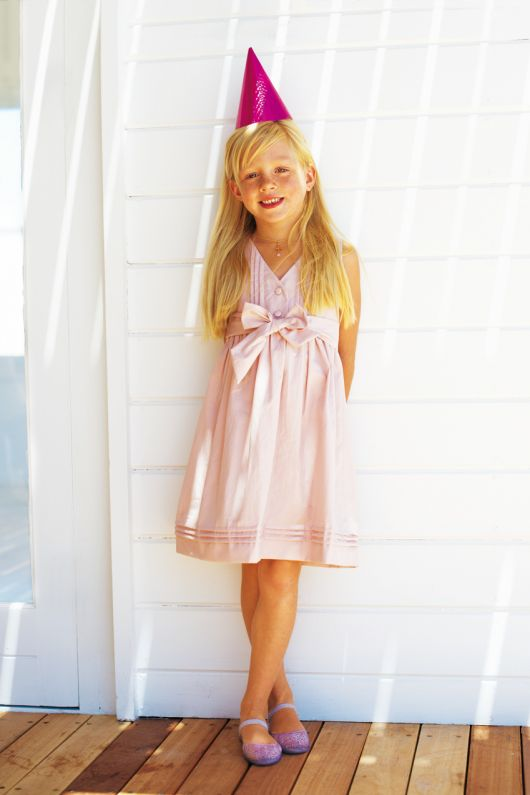 Сукня відрізна з поясом-бантом