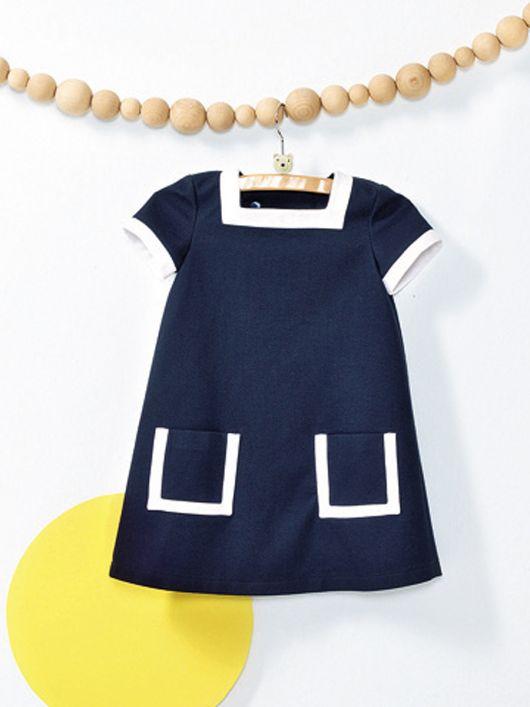 Сукня А-силуету із застібкою на спинці