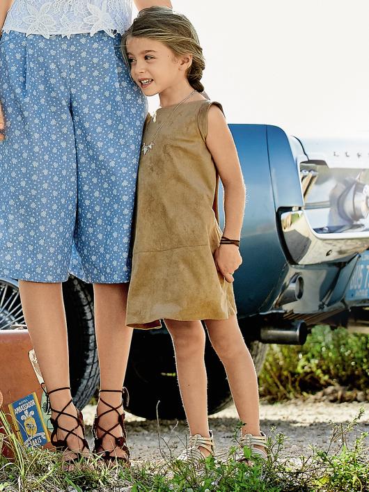 Сукня замшева А-силуету з вирізом на спинці