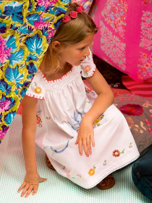 Сукня широка з рукавами-крильцями