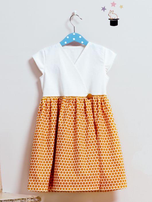 Сукня з пишною спідницею