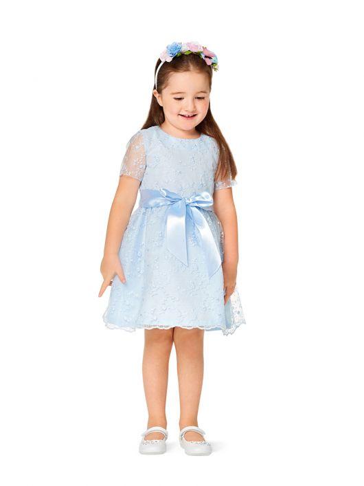 Сукня з призбореною спідницею і короткими рукавами
